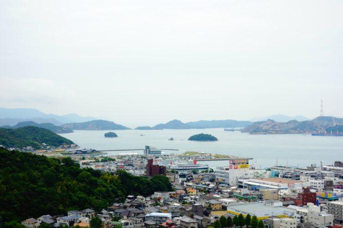 リトルプラス裏山から眺める宇野港や瀬戸内海