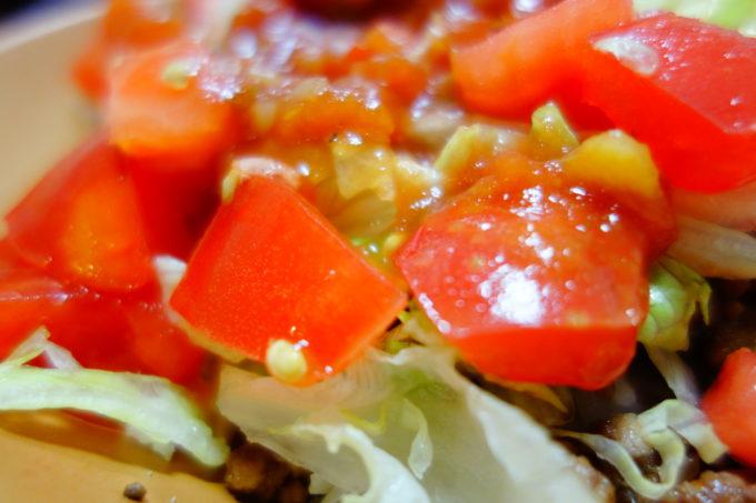 野菜がいっぱい入ったタコライス
