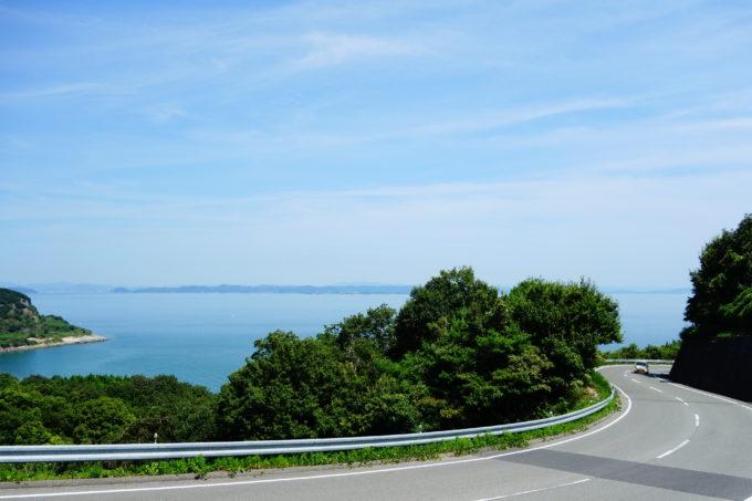 豊島島内の坂道