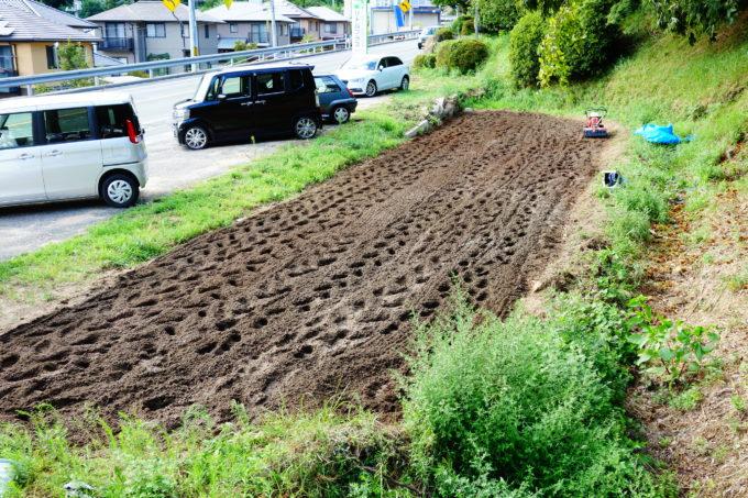 綺麗に耕された畑