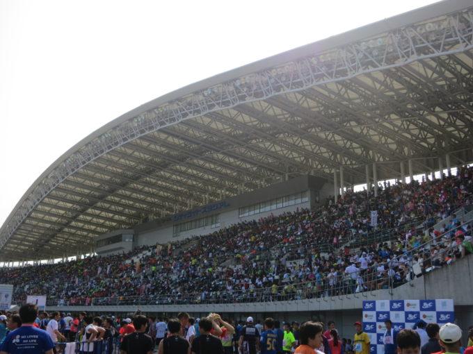 マラソン会場となったスタジアムの様子