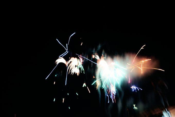 夜空に上がった花火