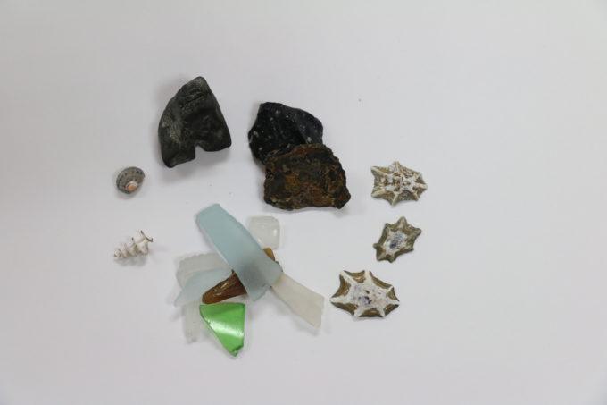 石やガラス