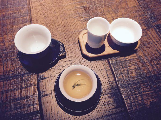 茶器に入ったお茶