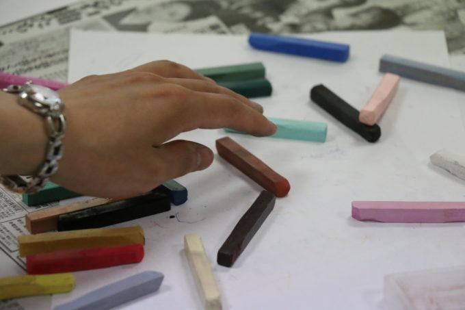 それぞれに色で描くこと